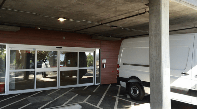 ... Covered Loading And Unloading West Coast Self Storage Units Bellevue Wa  ...