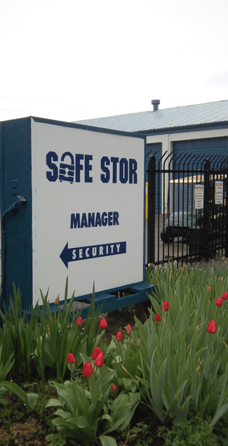 Safe Stor Storage units in Salem OR  sc 1 st  West Coast Self-Storage & Salem Storage -2611 River Rd S- SAFE STOR