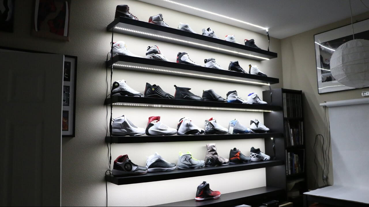 Sneakers Display Shop Photos & Sneakers Display Shop Images